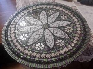 MOSAIC INSERTS Daisies Button Gems Mosaic Tiles www.mosaicinspiration.com