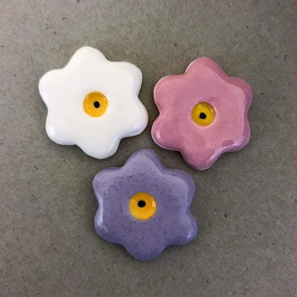 MOSAIC INSPIRATION 28mm Ceramic Flowers Mosaic Inserts Ceramic Embellishments www.mosaicinspiration.com