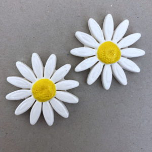 40mm White Ceramic Daisy Ceramic Flower Ceramic Mosaic Tile www.mosaicinspiration.com