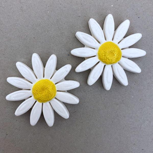 40mm White Ceramic Daisy Ceramic Flower Ceramic Mosaic Tile www.mosaicinspiration.com