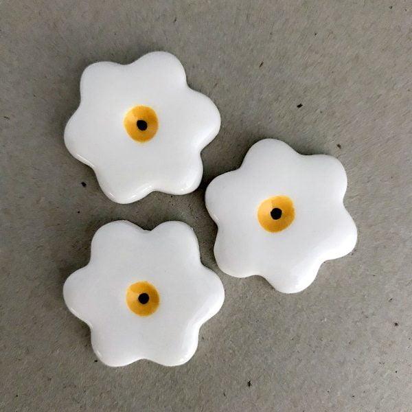 White 28mm Ceramic Flowers Ceramic Mosaic Tiles www.mosaicinspiration.com