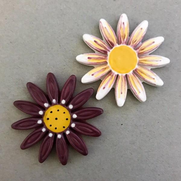 Mosaic Inserts Ceramic Daisies Ceramic Flowers Ceramic Mosaic Tile www.mosaicinspiration.com