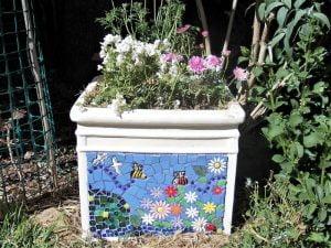MOSAIC INSPIRATION - Ceramic Mosaic Inserts www.mosaicinspiration.com - Sue's Square Pot plant Ceramic Bees Birds Flower Daisies Leaves Ladybird