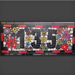 MOSAIC INSPIRATION Deas Mosaic using ceramic flower inserts www.mosaicinspiration.com