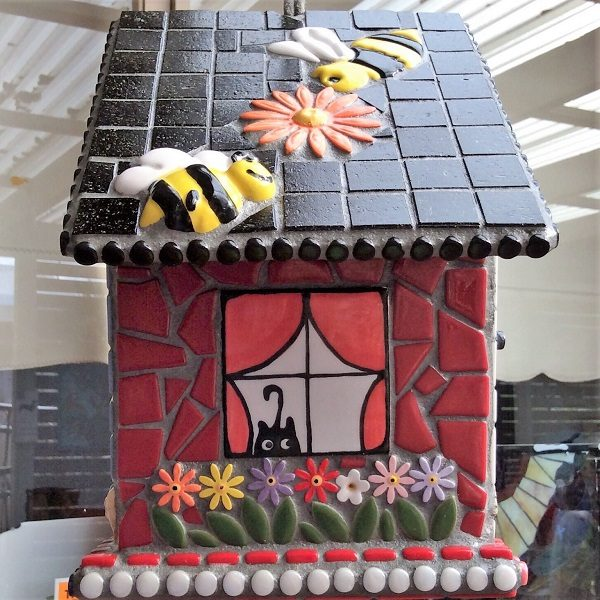 MOSAIC INSPIRATION Julies Bird House - bird, flowers, dog, tree, bee, window - www.mosaicinspiration