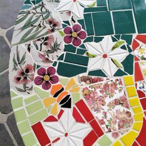 MOSAIC INSPIRATION Narelles Table Ceramic Flowers Daisies www.mosaicinspiration.com
