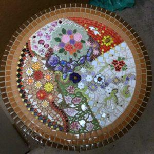 MOSAIC INSPIRATION Nicolas table - using flowers, leaves, birds - www.mosaicinspiration (1)