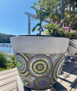 Lynette's Pot Plant - Swirls - MOSAIC INSPIRATION www.mosaicinspiration.com