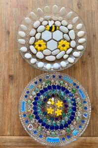 MOSAIC INSPIRATION Cressidas Bee Baths - Bee sunflower flowers